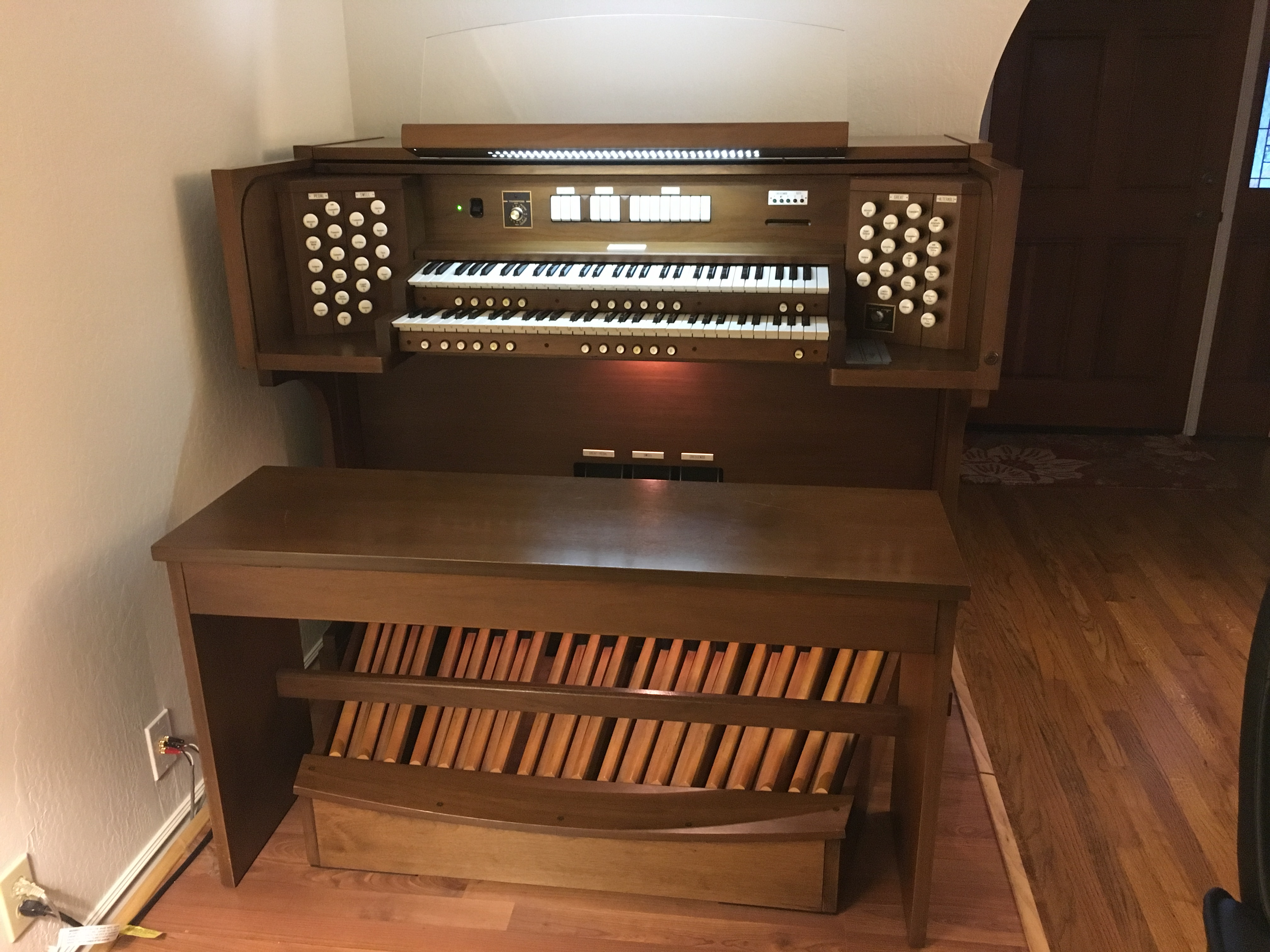 Organ For Sale >> Theatre Organ Classified Selected Ad